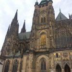 Prague (République Tchèque) : château de Prague, pont Charles, Tour Zizkov, bar à rhum