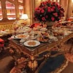 Dégustation d'un tea time à la française à l'hôtel du Ritz à Paris (France)