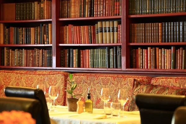 France, Bouches du Rhone (13), Marseille, 1er arrondissement, Cours Estienne d'Orves, Les Arcenaulx, le restaurant
