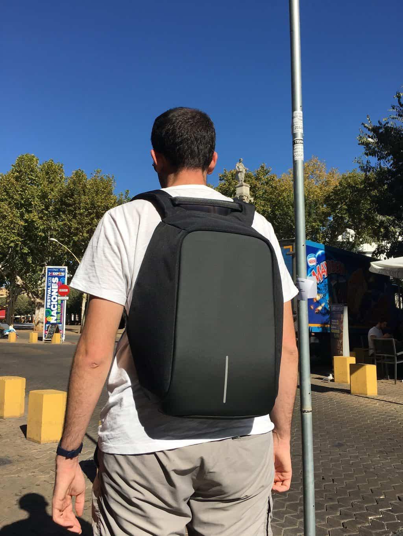 9596808aa5 Pendant notre tour du monde, nous avions chacun un sac à dos de backpacker  : le Osprey Mira AG 26 pour Anh et le Gregory Baltoro 65 pour moi.